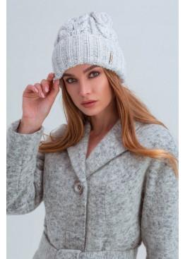 Вязаная женская шапка «Эри» крупной вязки, светлая серая