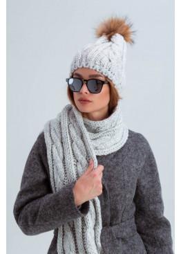 Шапка с шарфом-снудом «Лидс» с мехом енота, серый