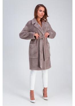 Стильное меховое пальто «Ума» из искусственной альпаки, капучино