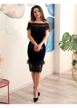Платье коктейльное из бархата со вставками из перьев