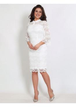 Платье коктейльное гипюровое с воротниковой горловиной белого цвета
