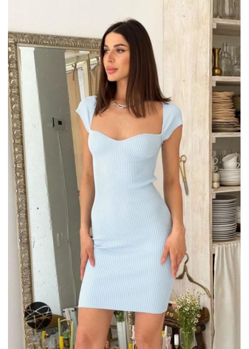 Вязаное платье-футляр в рубчик, голубое