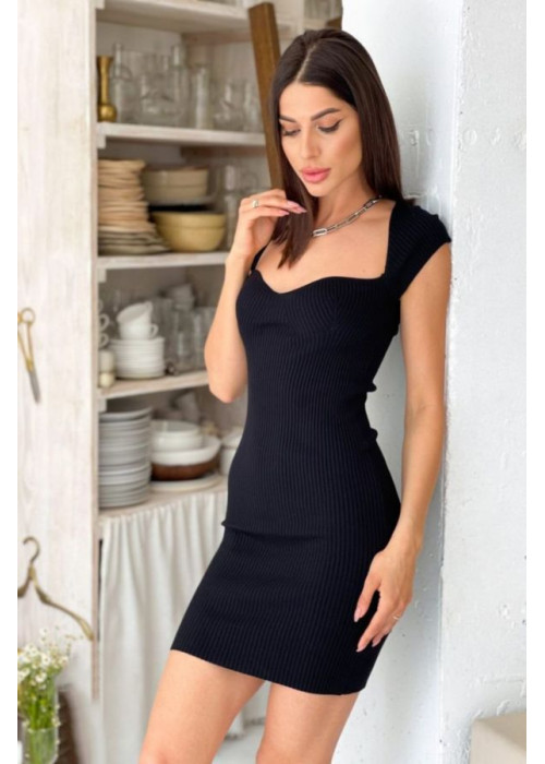 Вязаное платье-футляр в рубчик, черное