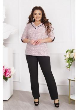 Брючный костюм с блузой с V-образным вырезом, розовый