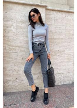 Выбеленные серые джинсы мом с завышенной талией