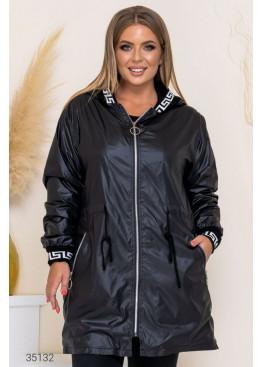 Утеплённая куртка с капюшоном, черный