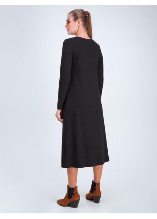 Платье трапециевидного силуэта из мягкого трикотажа, с добавлением нити люрекса