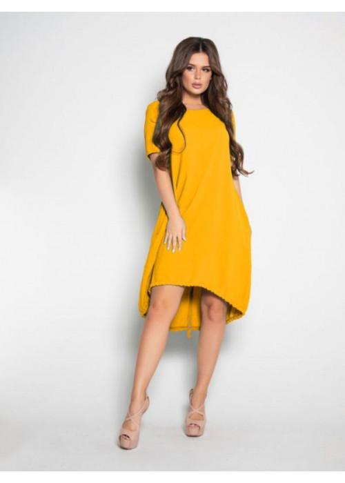 Желтое свободное платье с короткими рукавами