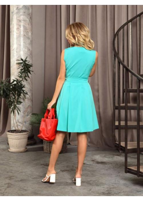 Мятное приталенное платье с декольте на запах