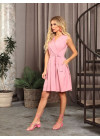 Розовое приталенное платье с декольте на запах