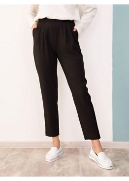 Черные присборенные на талии брюки