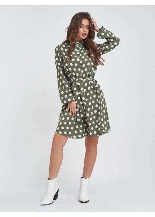 Оливковое платье-трапеция из софта в горох