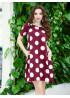 Бордовое асимметричное платье с крупным горохом