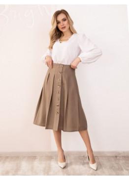 Бежевая льняная юбка на пуговицах с присборенная складками и выточками на талии