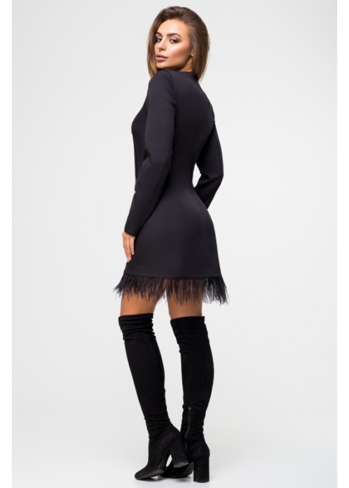 Двубортное платье-жакет, декорирован тесьмой из натуральных перьев