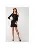 Чёрное платье с ажурным плечом из гипюра
