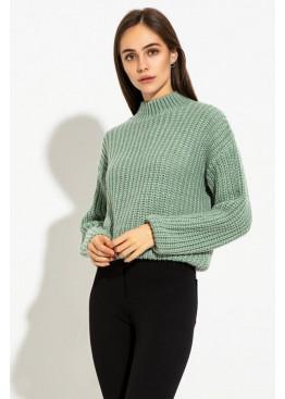 Теплый свитер крупной вязки с аккуратным воротничком-стоечкой