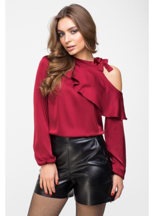 Блуза с открытым плечем и воланом из шелка