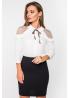 Стильная блуза из тонкой шелковистой ткани с асимметричным воротником