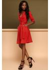 """Cдержанное и кокетливое платье """"на запах"""" красного цвета"""