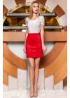 Стильная красная замшевая юбка в форме легкой трапеции