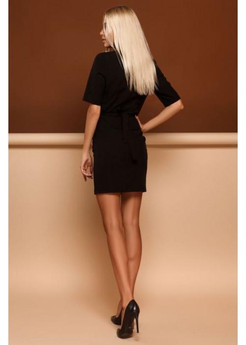 Черное платье футляр со вставками из гипюра на груди
