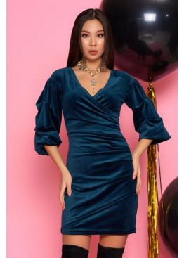 Нежное и женственное платье из велюра Дения М19 изумруд