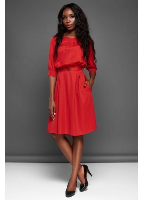 Отличное платье с юбкой полусолнце красного цвета
