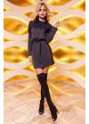 Интересное платье из ткани «ангора», выполнено в прямом силуэте