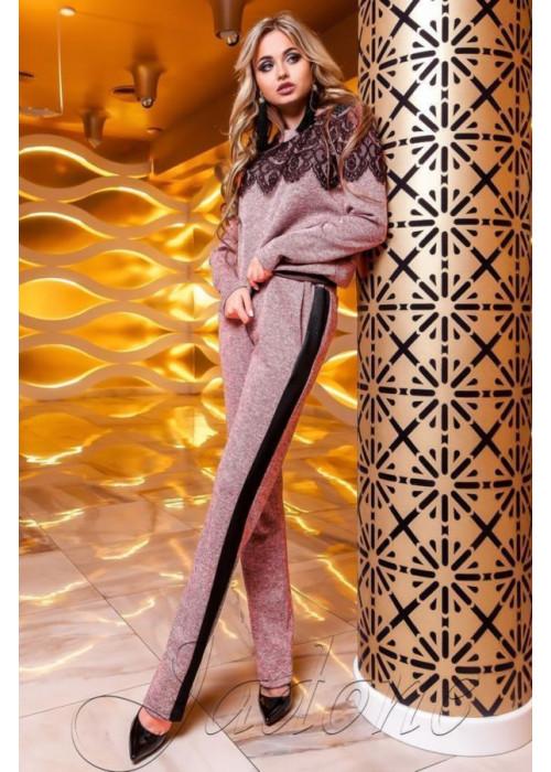 Классический выходной костюм из ткани «Ангора», с красивым кружевом