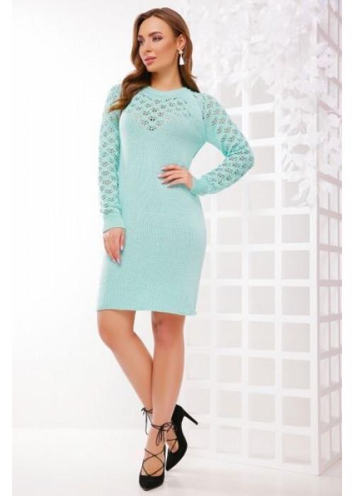 Стильное платье мятного цвета слегка приталенного силуэта