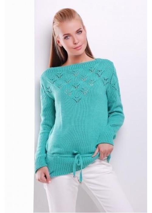 Однотонный свитер, дополнен тонким пояском