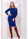 Модное синее вязаное платье слегка приталенного силуэта с манжетами
