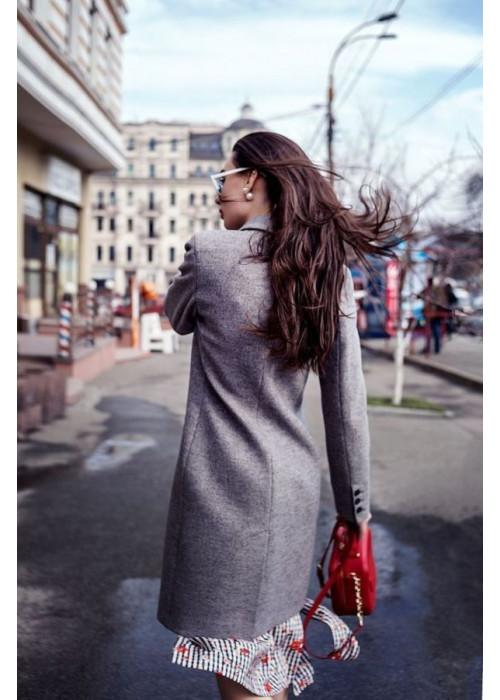 Базовое светло-серое пальто из качественного итальянского сукна