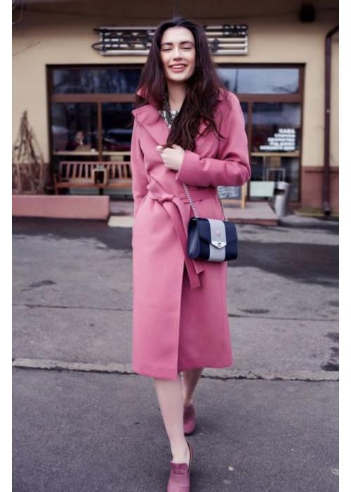 Женское драповое пальто прямого кроя, слегка свободно по фигуре