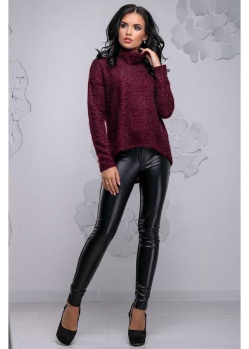 Красивый молодежный свитер винного цвета с асимметричным кроем