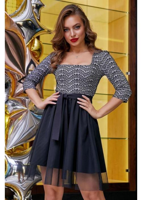 Полуприталенное платье мини с пышной юбкой