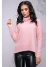 Красивый молодежный свитер пудрового цвета с асимметричным кроем