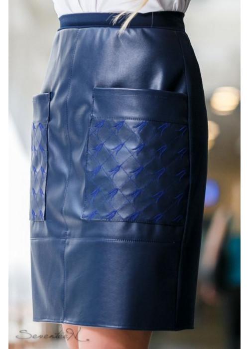 Лаконичная, интересная и оригинальная синяя юбка